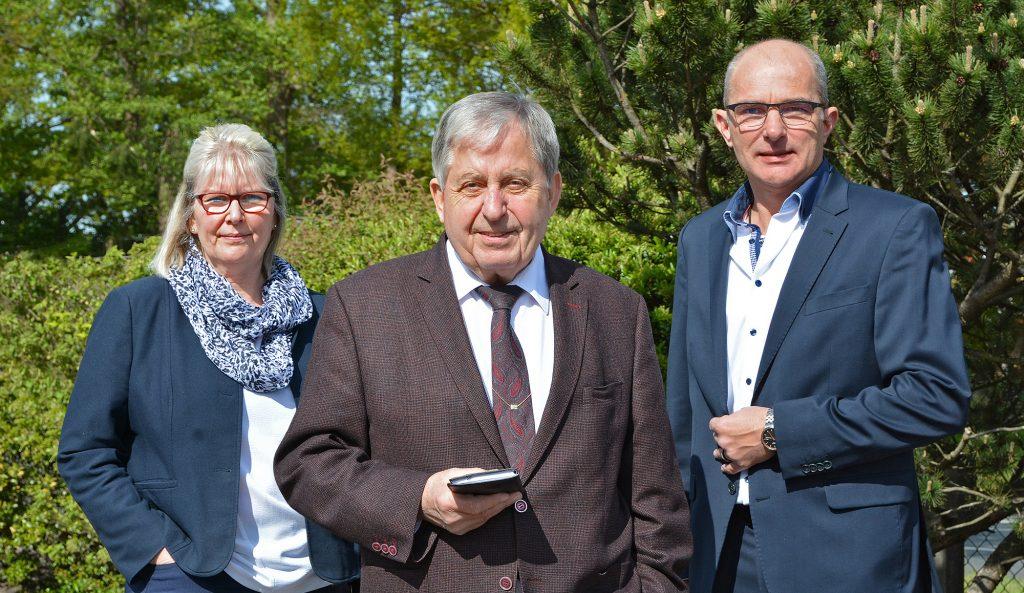 Gunda Hoppe, Wolfgang Reichelt und Ingo Neumann (v.l) bilden den Vorstand vom neu gegründeten Förderkreis Aller-Weser-Klinik Verden e.V. und freuen sich auf spannende Projekte, die sie im Krankenhaus Verden unterstützen wollen.